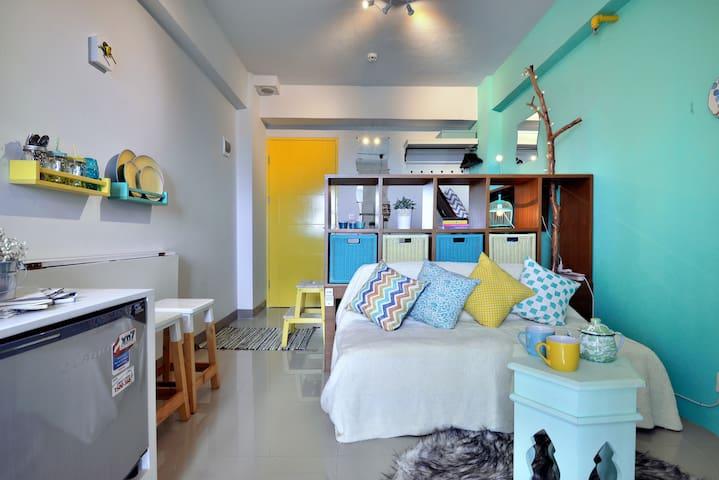Unique, Compact Studio Apartment - Pesanggrahan - Huoneisto