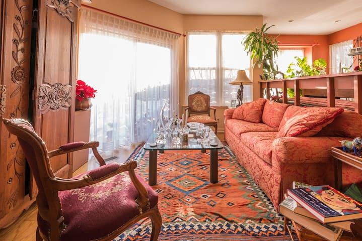 Room at the Top - Wayne - Huis