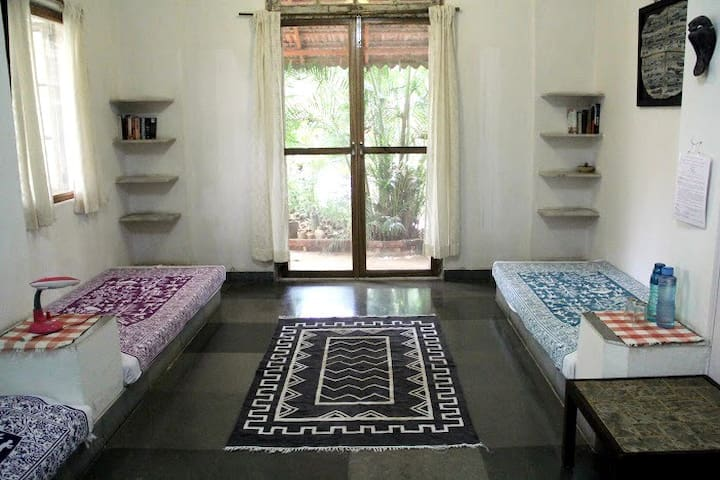Mati Moksha  I  -  B & B Home Stay - Alibag