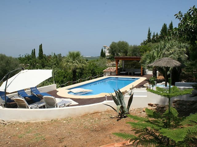Apartment in a villa with big pool - Pego - Huis