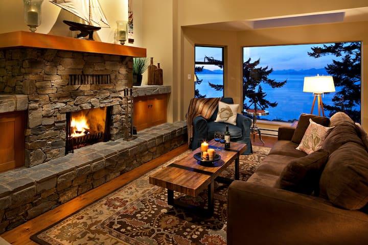 Quiet Executive Oceanfront Home - Nanoose Bay - Ev