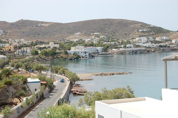 Top Floor Studio in Syros with Amazing Views - Finikas - Appartement