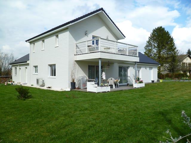 maison dans campagne béarnaise - Serres-Morlaàs - Casa