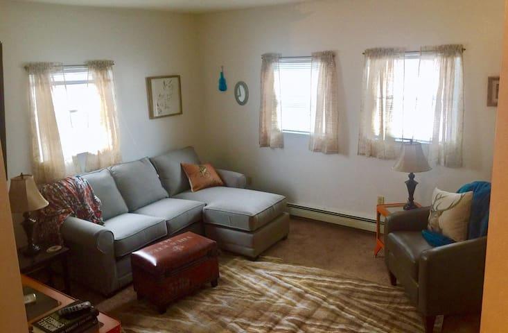 The Explorer- Cozy and Quaint ! - Punxsutawney - Appartement