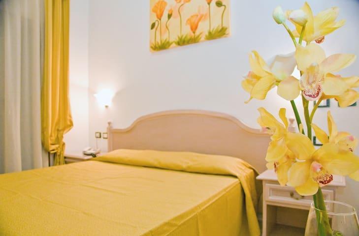 Luna b&b qualità e servizi da hotel - Sangineto Lido - 家庭式旅館