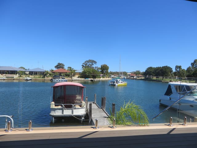 ENJOY AQUATIC LIFESTYLE BY CANAL! - South Yunderup