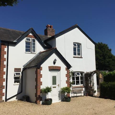 Glebe Cottage - double and single room B&B - Dorset - Hus