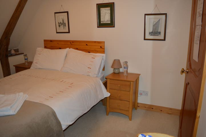 Cotenham Barn - Our Double Room - Panxworth