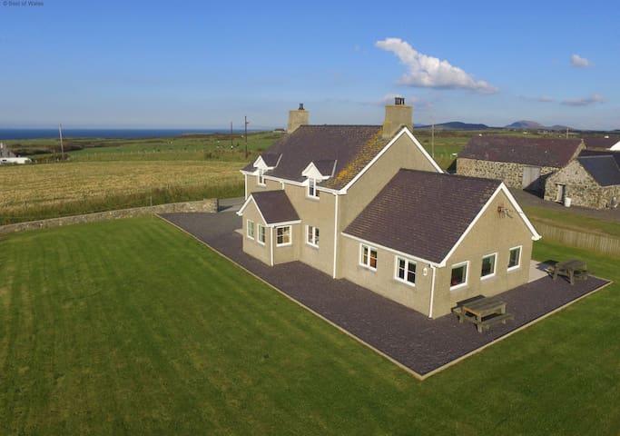 Llyn Peninsula North Wales - Large luxury farmhouse - Aberdaron - Dům