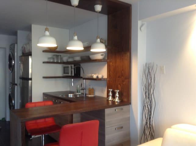 Petit loft entrée privée/Small loft modern private - Longueuil - Loft
