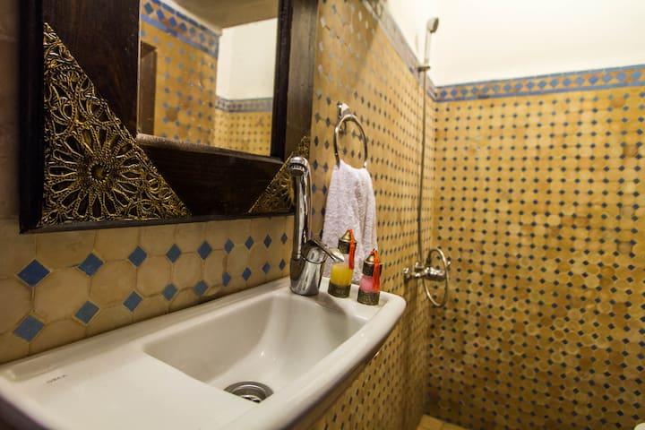 RIAD TAHA Zohra Room - Фес - Квартира