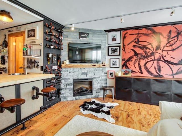 Truckee/Tahoe Donner Stunning Ski Chalet Condo - Truckee - Apartmen