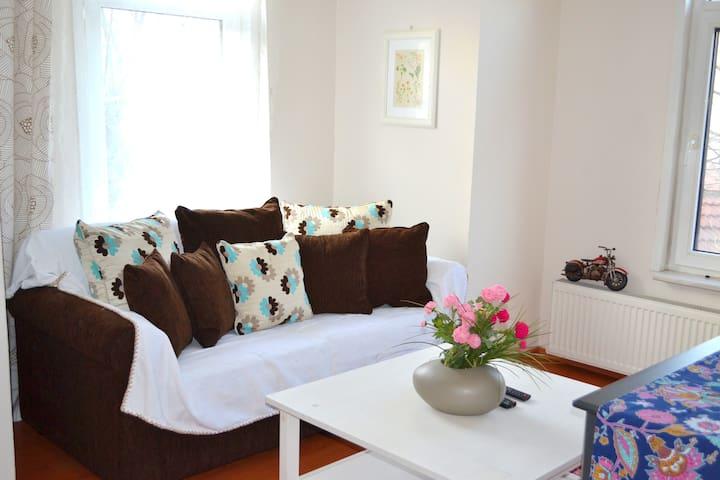 Three Bedroom House - Bursa - Huis