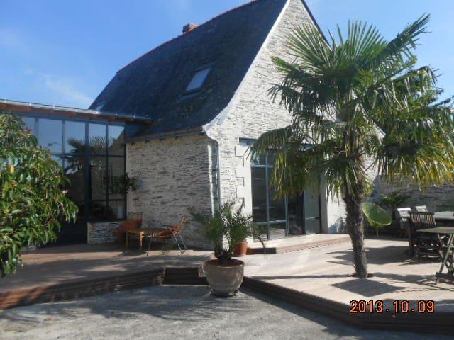 Maison de charme en bords de Loire - Saint-Jean-des-Mauvrets - Huis
