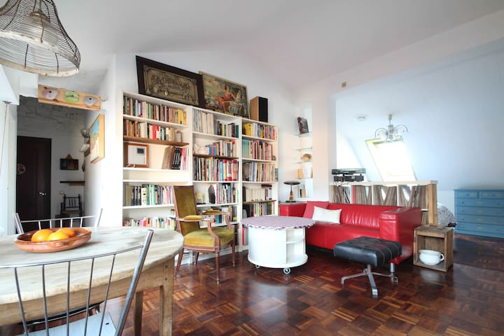 Central with parking place included - Oviedo - Appartamento