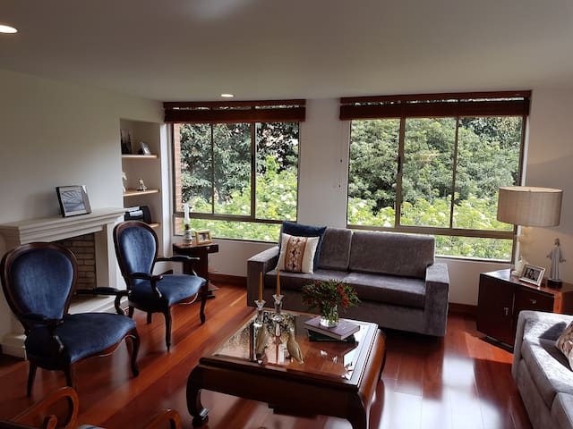 Comfy Double Bedroom with Private Bathroom - Bogotá - Daire