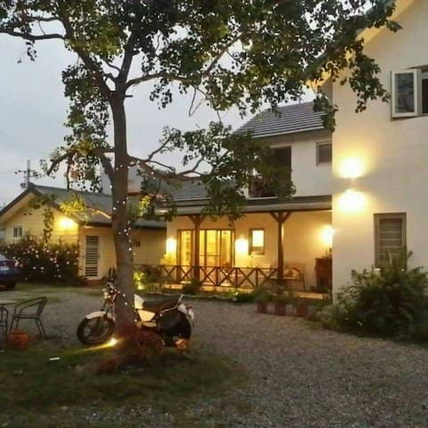 星願園-四人套房,含早餐,免費停車場,近梅花湖 - 宜蘭縣 - Dom