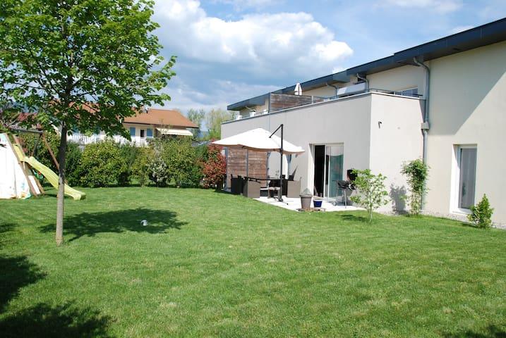 Très joli appartement 4 pièces en rez de jardin. - Reignier-Esery - Daire