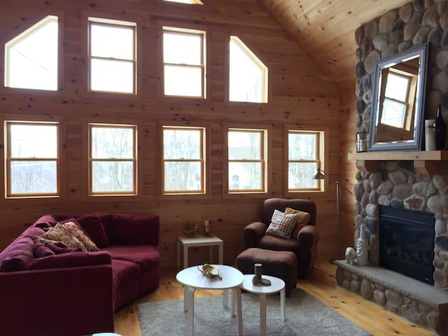 Beautiful new cabin!!! - Hazleton - Maison