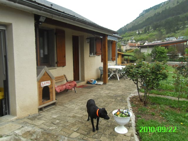 dans villa près de Mende - Barjac - Huis