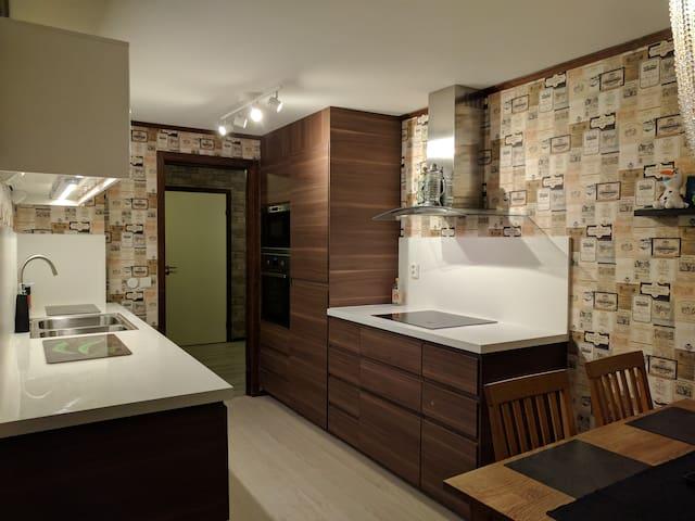 Top refurbished flat in central Virserum - Hultsfred S - Leilighet