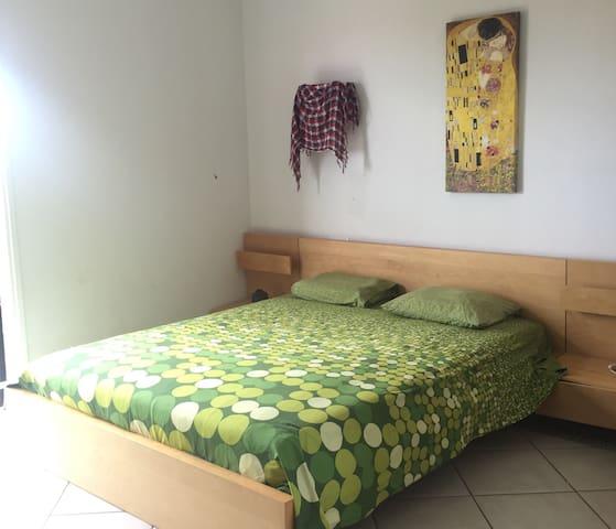Double room**5 min from Airport - San Miguel de Abona - Hus