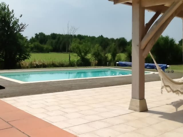 Peaceful gite with garden and pool - Monsempron-Libos