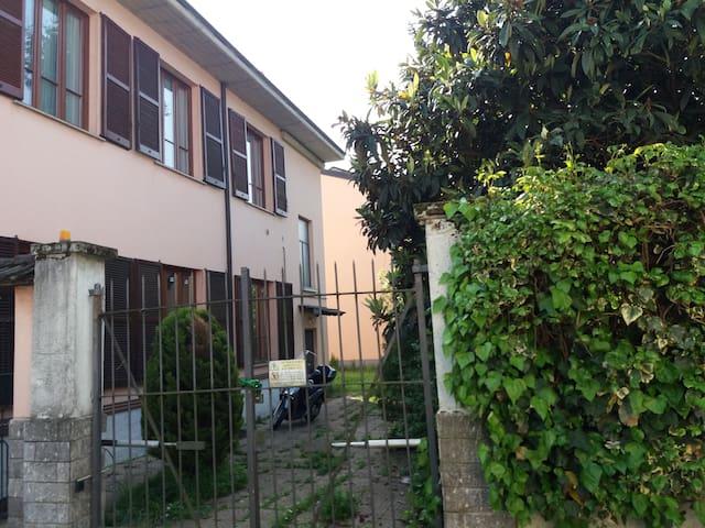 Milan metropolitan city - Flat in villa - Settimo Milanese - Casa