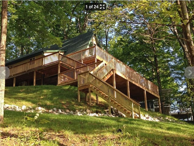 Raccoon Lake - Completely Remodeled Lakehouse - Rockville - Casa de campo