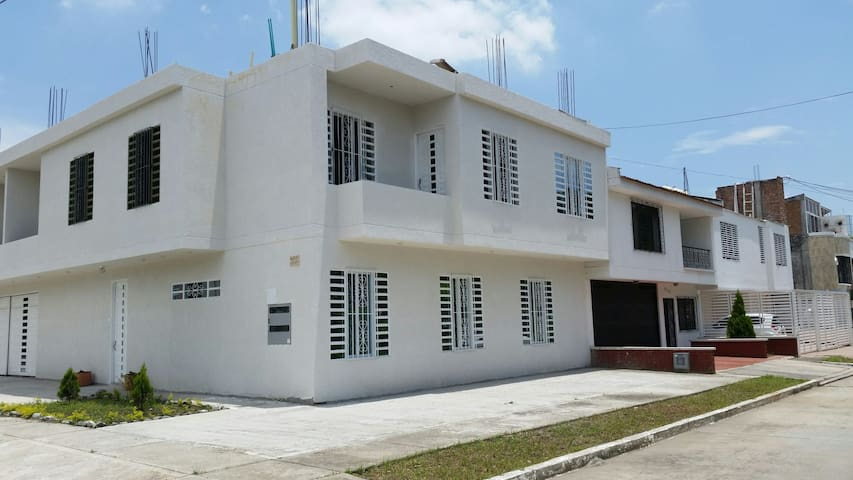 Full Habitaciones en  casa Palmira - Palmira - Hus