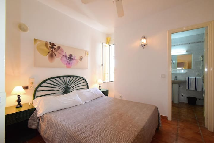 LOVELY ONE BEDROOM APARTMENT - Cala Llenya - Appartement