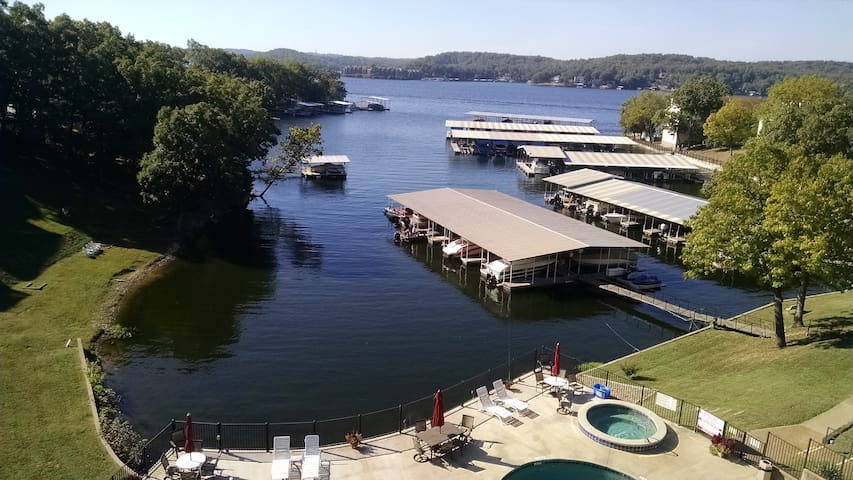 lakefront-poolfront condo - Lake Ozark - Wohnung