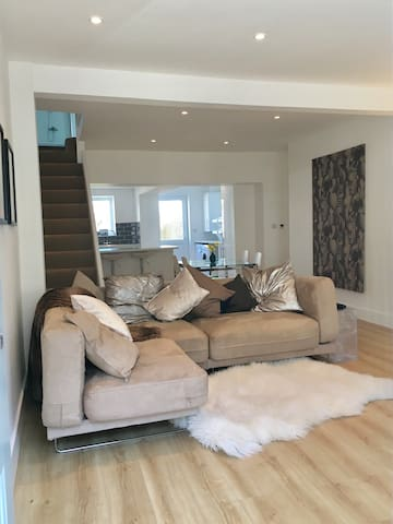 contemporary gower coastal cottage - The Mumbles - Huis