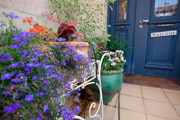 Beautiful For Couples Garden Studio - Ora