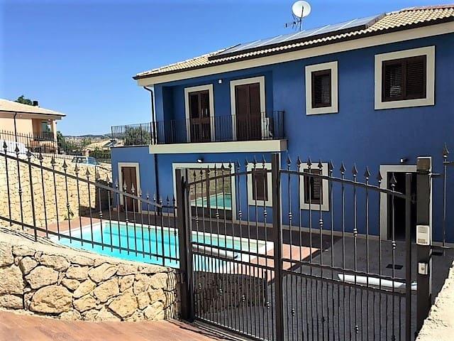 Villa Blu-camera matrimoniale - Palazzolo Acreide - Bed & Breakfast