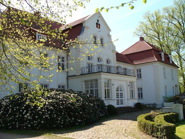 Great apartment at Schloss Badow  - Badow - Lägenhet