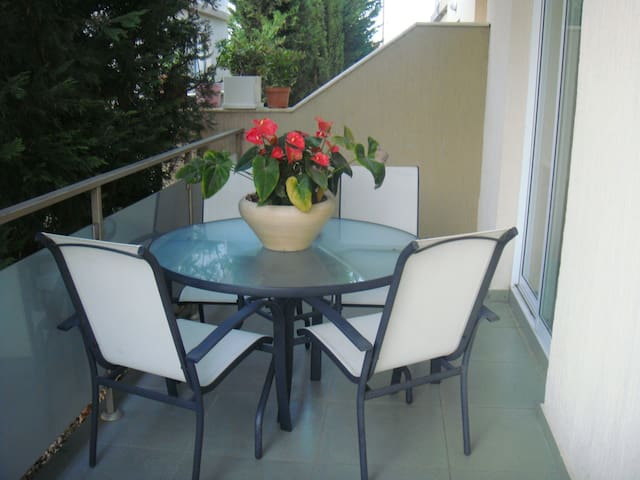 House close to the beach in wonderful calm area - Germasogeia
