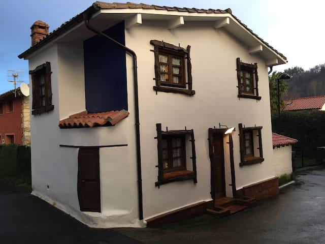 Preciosa casa en zona picos y playa - Río caliente