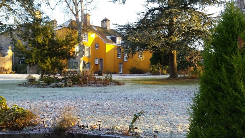 Old Lathrisk, B&B in a mindful country house. - Falkland