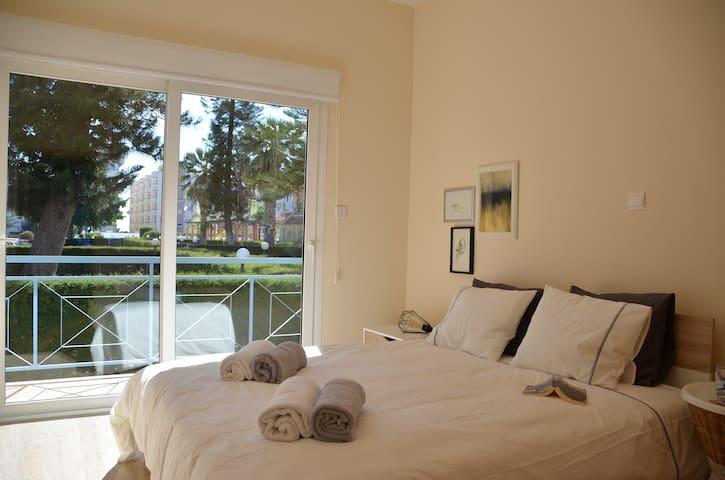Pool view - one bedroom apartment - Germasogeia - Apartemen