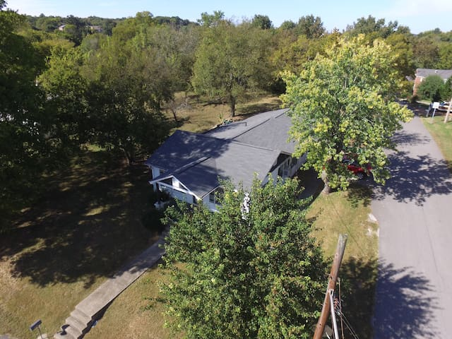 Quaint 3 Bedroom 1.5 Bath House to Yourself - Goodlettsville