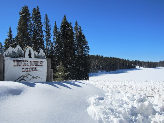 Thunder Mountain Lodge ~ Cabin #6 - Cedaredge - Blockhütte