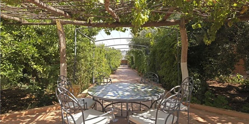 Beautiful organic farm retreat - Marrakech - Inap sarapan