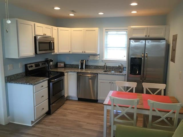 Newly Renovated 1 BR: 3 Blocks To Beach & Boards - North Wildwood - Condomínio