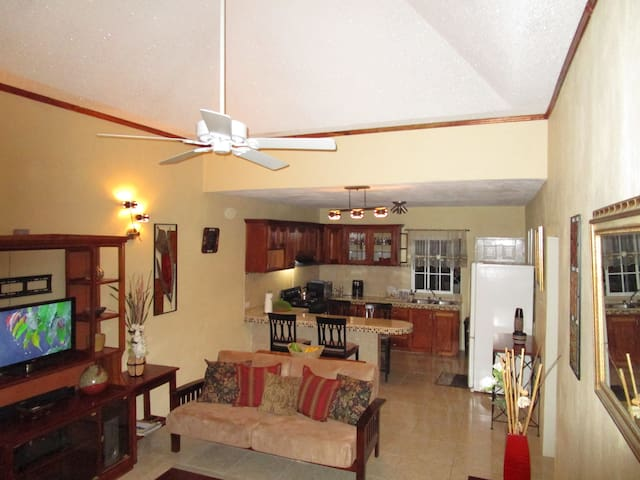 The Residence Portmore Apartment 2 - Portmore - Appartement