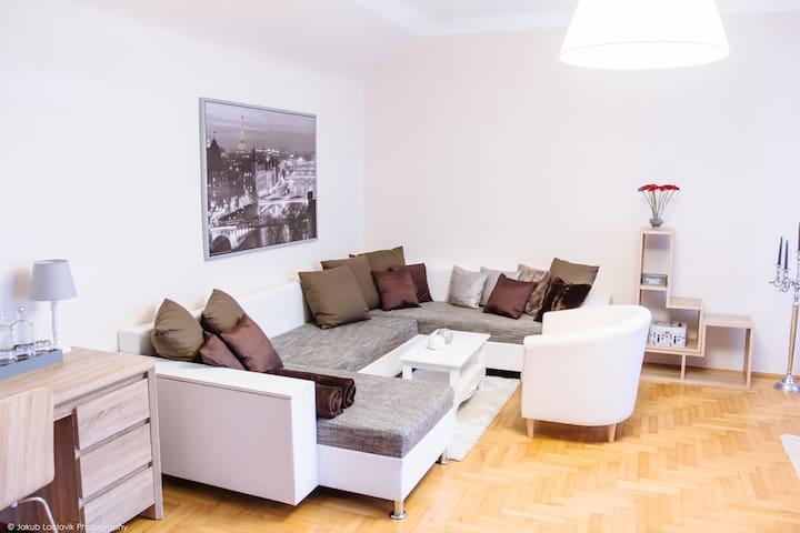 Luxury Suite in historischer Villa südlich v. Wien - Baden - Appartement en résidence