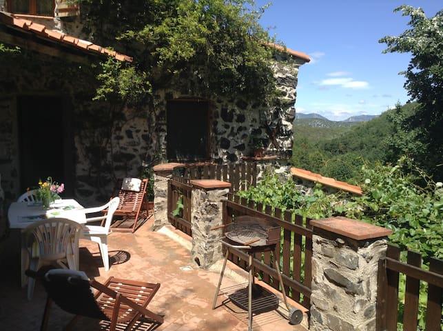 Balcony gite, Threeroofs, Pyrenees - Vira - Lägenhet