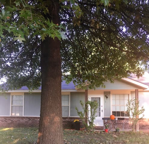 Cozy, clean and close to everything! - Bentonville - Ev