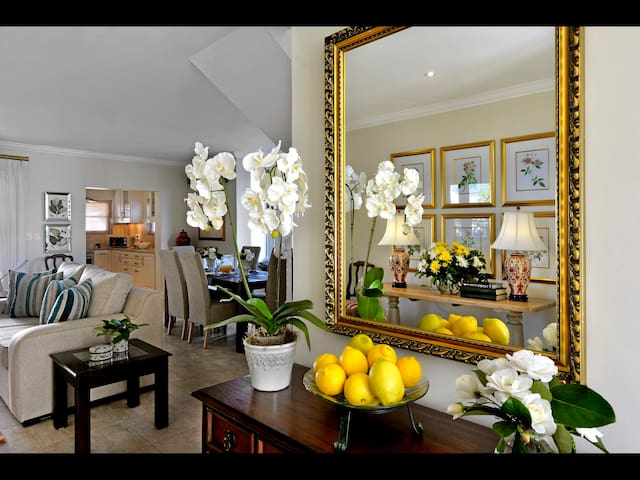 10 Villefranche, in the heart of the village. - Franschhoek