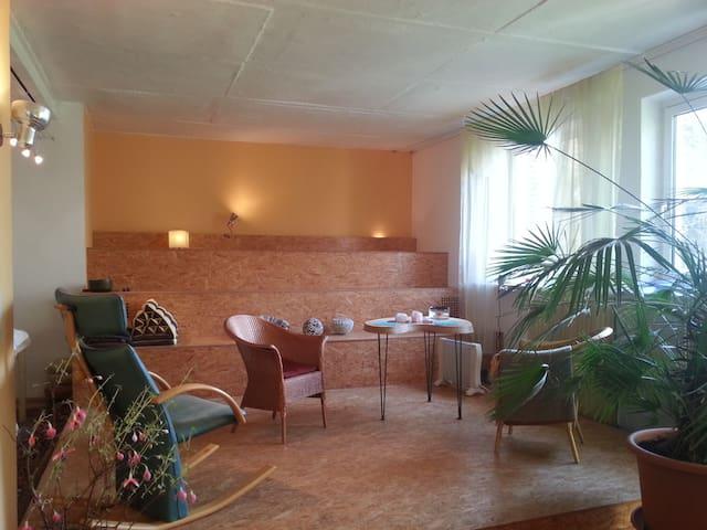 Loftwohnung mit Zugang zum Garten - Hemmingen - Huis